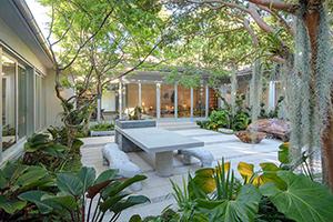 Những cách tuyệt vời giúp làm đẹp sân vườn nhà bạn