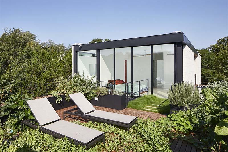 Mẫu thiết kế sân thượng đẹp: Một khu vườn nhỏ