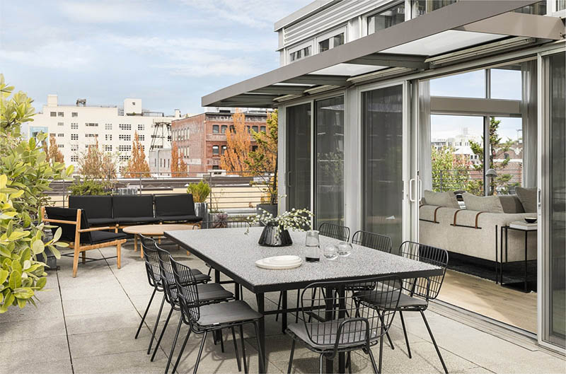 Mẫu thiết kế sân thượng đẹp: Phòng ăn ngoài trời